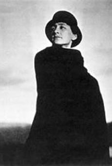 Photo of Georgia O'Keeffe, by Alfred Stieglitz.