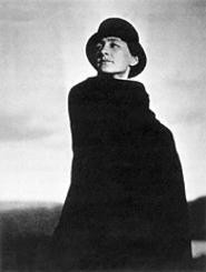Photo of Georgia O'Keeffe, by Alfred Stieglitz.