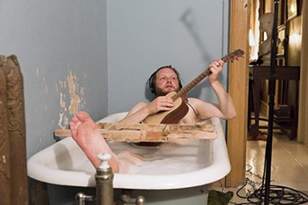 Ragnar Kjartansson, jammin' in the tub - ELISABET DAVIDS