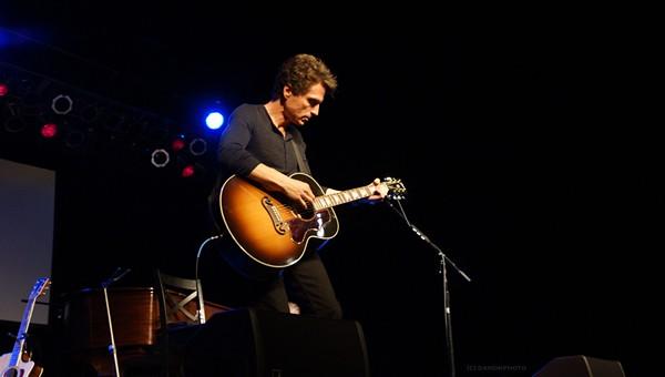 Richard Marx performing at Hard Rock Live