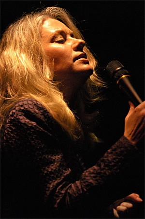 Shelby Lynne brings some blue-eyed soul to the Beachland. - WALTER NOVAK