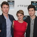 Teens and Tweens Pack Tower City for 'The Fault in Our Stars' Fan Event