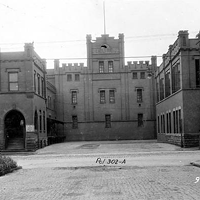 PHOTOS: A History of 15 Cleveland Breweries (That Are No More) The Diebolt Brewing Company was located on Pittsburgh Avenue. at the corner of Jackson (East 27th) Street. Despite closing in the late 1920s, the 3-story red-brick stables that once housed the brewery's beerwagon horses remained standing until the 1980s. The Cleveland Memory Project