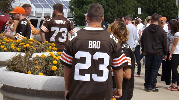 bfb9c104 The Recent History Of The Cleveland Browns Told In 15 Now-Obsolete ...