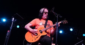 Todd Rundgren performing at Hard Rock Live