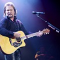 Travis Tritt and Lyndsey Highlander performing at Hard Rock Live