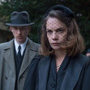 'The Little Stranger' — a Darker 'Downton' — Spooks Without Thrills