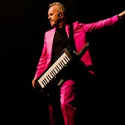 Synth-Pop Pioneer Howard Jones Continues to Innovate