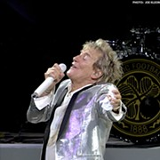Rod Stewart Proves He's Still the Consummate Showman