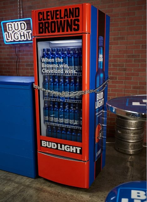"A Bud Light ""Victory Fridge"" - TWITTER / DARREN ROVELL"