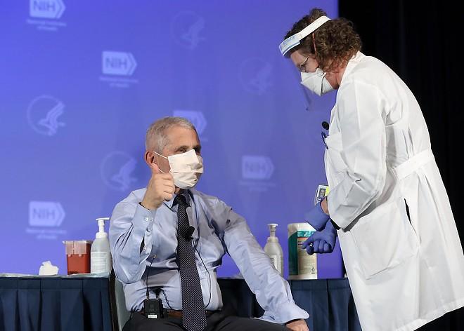 DR. FAUCI RECEIVING THE MODERNA VACCINE/ NIH PHOTO