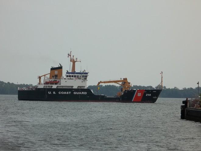 U.S. Coast Guard's Hollyhock ice-cutter - GEO SWAN