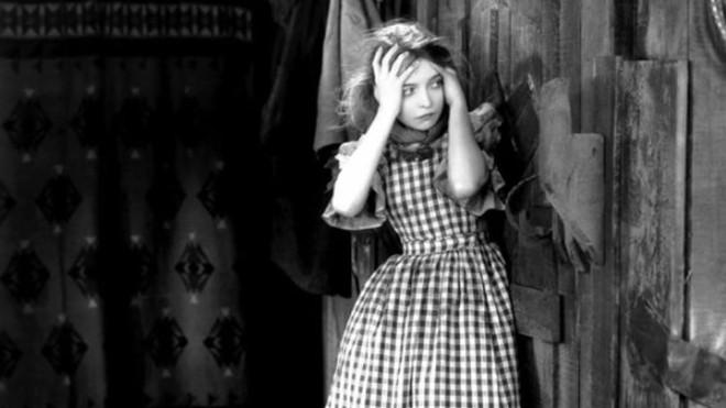 Lillian Gish in The Wind. - WARNER BROS.