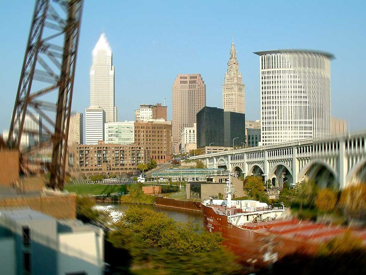 feature_cleveland-from_superior_viaduct.jpg