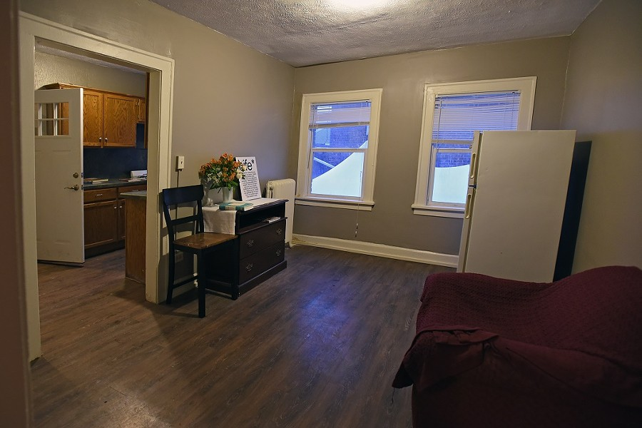 edwins_dorm_room.jpg