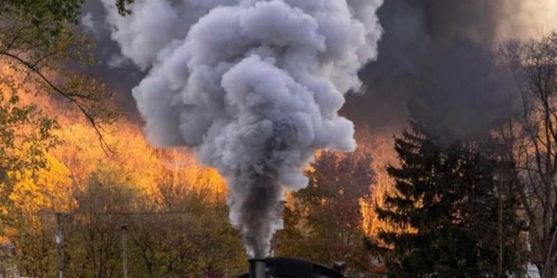 Historic railcar rides through fall foliage