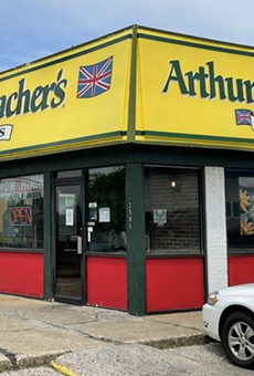 Arthur Treacher's is alive and well in Cleveland, Ohio.