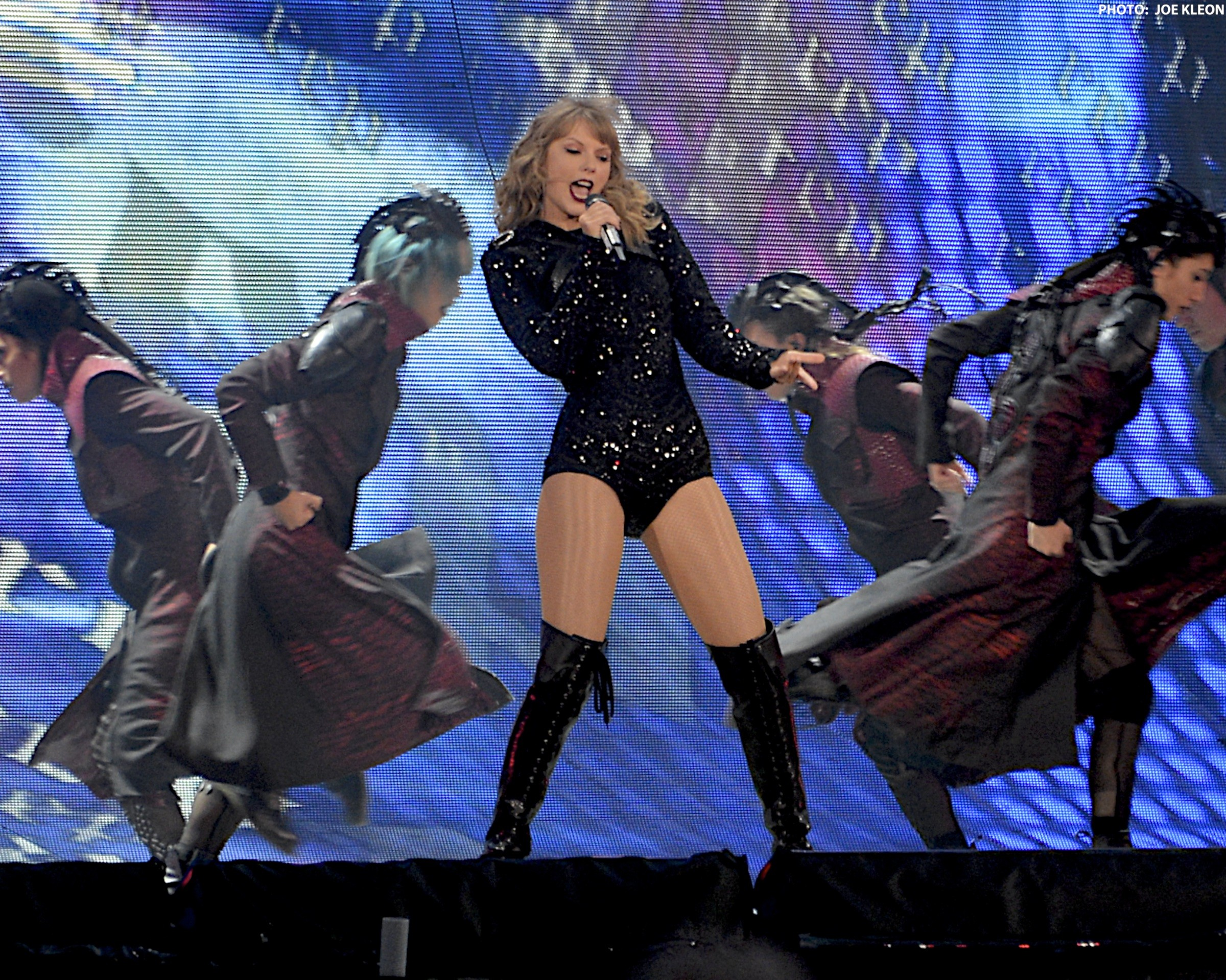 Taylor Swift Lights Up Firstenergy Stadium With Energetic Performance Scene And Heard Scene S News Blog