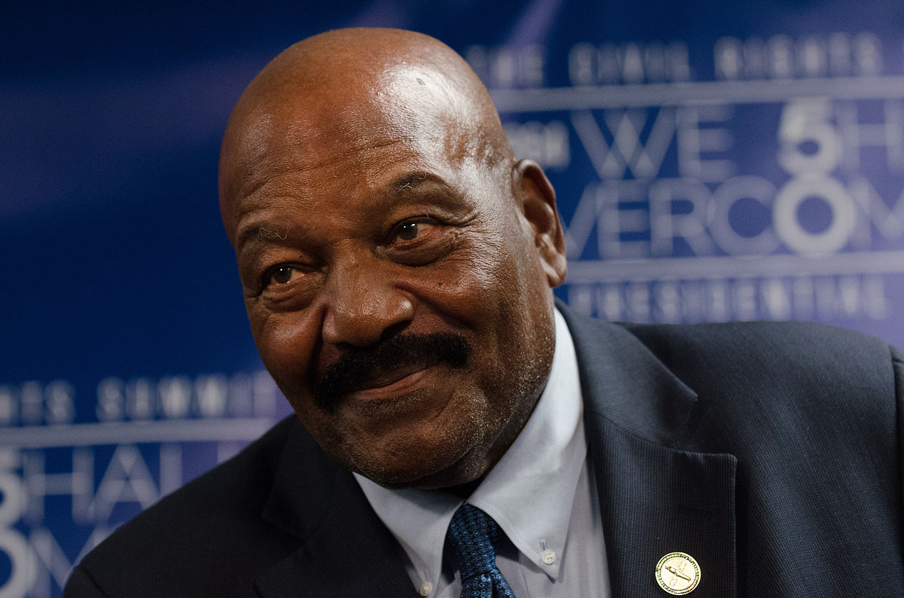 The 83-year old son of father (?) and mother(?) Jim Brown in 2019 photo. Jim Brown earned a  million dollar salary - leaving the net worth at  million in 2019
