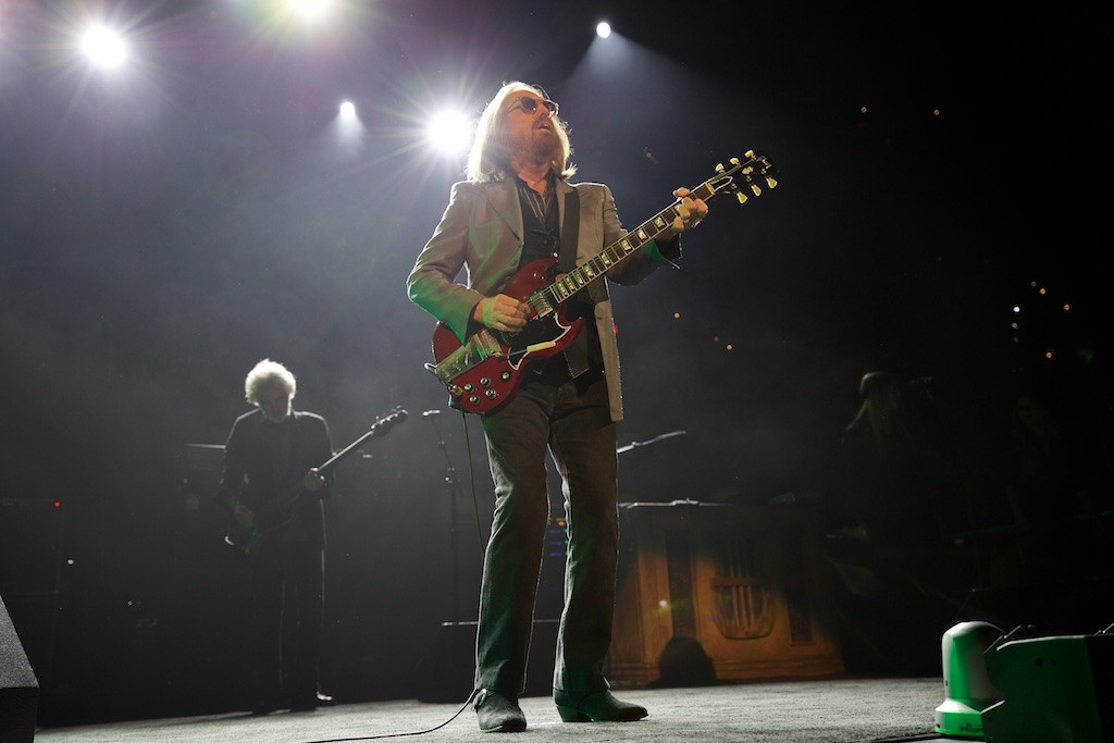 Tom Petty The Heartbreakers Celebrate Their 40th Anniversary With