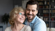 10 Best Older Women Dating Sites for Younger Men to Meet Cougars