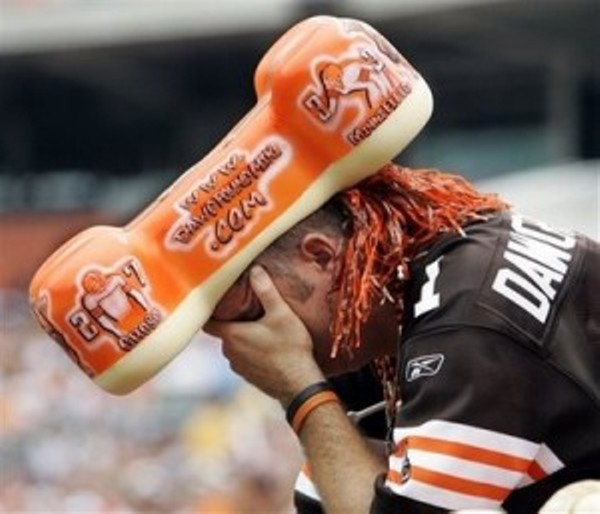 IMAGE(https://media2.fdncms.com/clevescene/imager/u/slideshow/4672807/1295539310-sad-cleveland-browns.jpg)