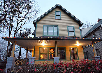 Someone Who Just Moved Here Reviews Cleveland Stuff: A Christmas Story House