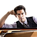 Piano Wiz Tony DeSare to Join Cleveland Pops Orchestra Tonight at Severance Hall