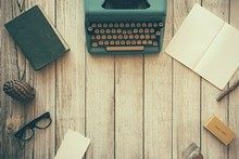 43f6e5d6_typewriter-801921_1920.jpg