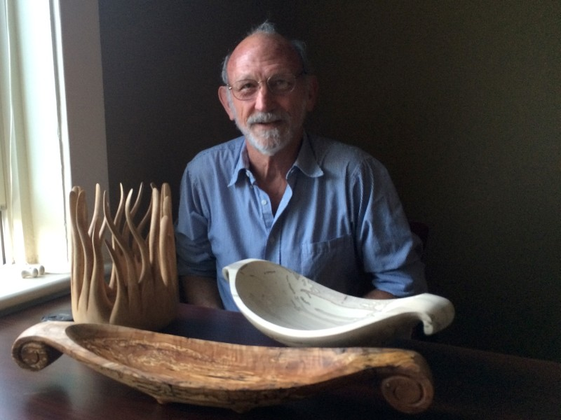 Sculptor Dicky Stone shuns the lathe in favor of hand tools.