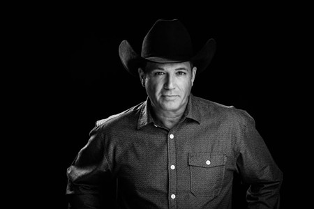 Headliner Tracy Byrd.