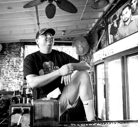 bos19-night-duck_the_bartender.jpg