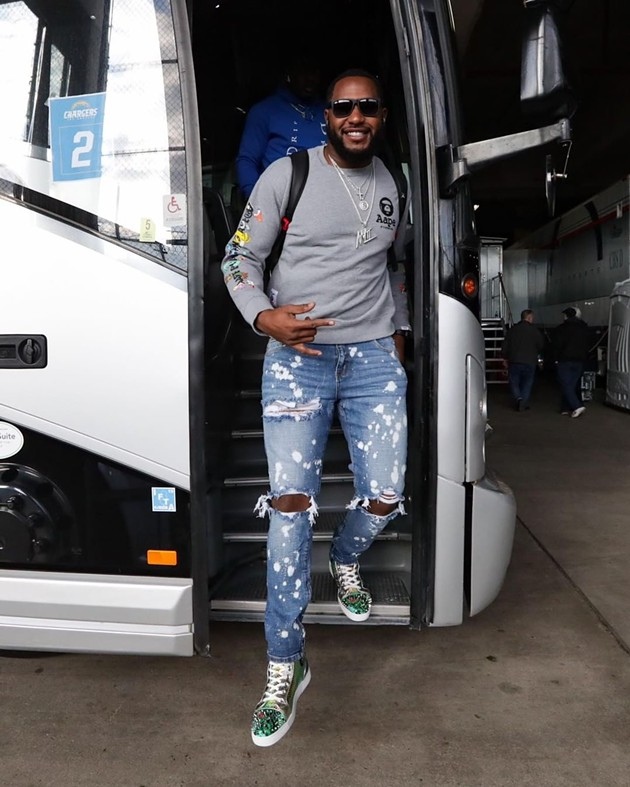 Anthony Lanier II exits the bus on his way to play a game for the Chargers. - PHOTO COURTESY OF ANTHONY LANIER II