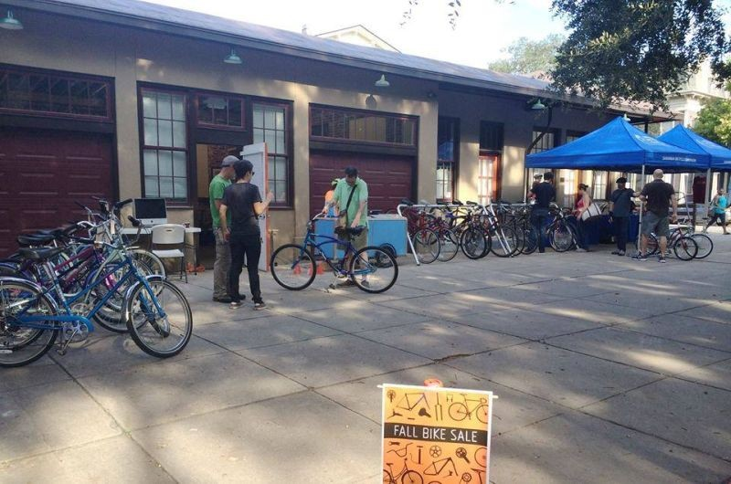 college_news_cycle-fallbikesale.jpg