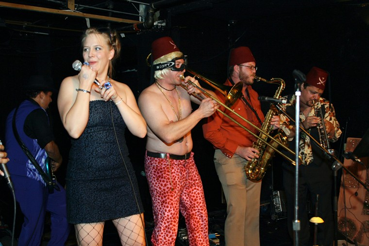 Jennifer Gelvin (left) and Keith Rouse (far right) of the Fabulous Boogienauts, seen here at 3 Kings Tavern in 2008. - JON SOLOMON