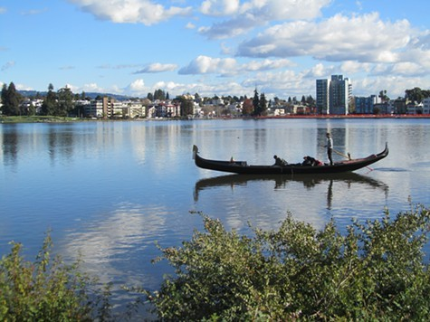 Lake_Merritt_SFbaywalk_Flickr_cc_.jpg