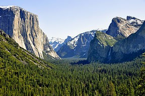 yosemite_valley_tunnel_view_2010.JPG