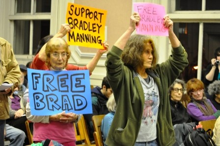 12-15-10_Berkeley_council_meeting.jpg