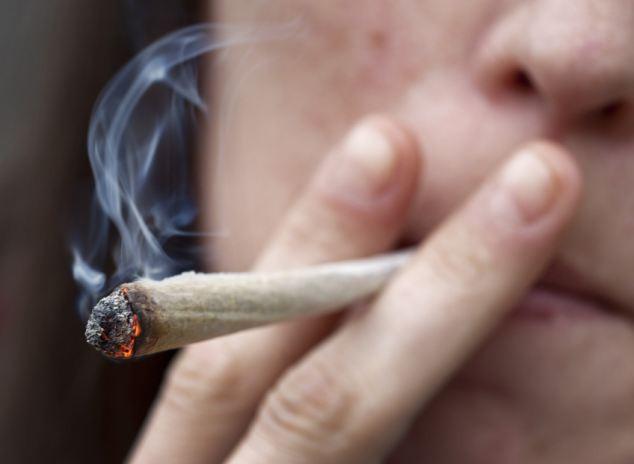 teen_smoking_pot.jpg