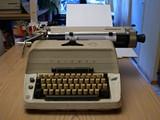 typewriter_jpg-magnum.jpg