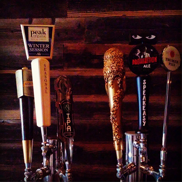 Beer taps at The Hatch (via Instagram, @thehatchoak)