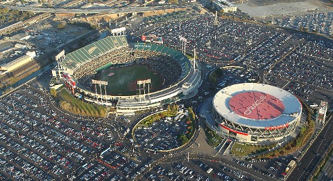 oakland_coliseum_and_arena.png