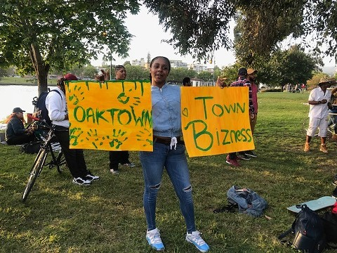 Since the video of the white woman calling police on Black men barbecuing went viral, residents have been showing up to Lake Merritt in protest. Photo taken May 10, 2018. - AZUCENA RASILLA