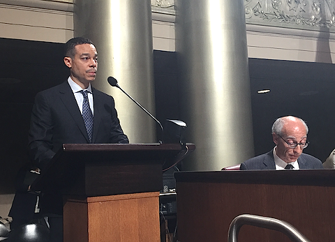 Thomas Lloyd Smith, chair of Oakland's Police Commission, addresses the Oakland City Council.
