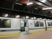 bart_train_at_fruitvale_station_2.jpg