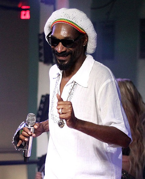 Lion for legalization: Snoop Dogg.