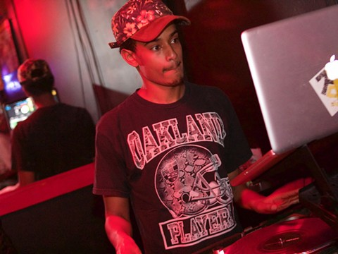 DJ Mele$wave - PHOTO BY LLUVIA QUINTERO