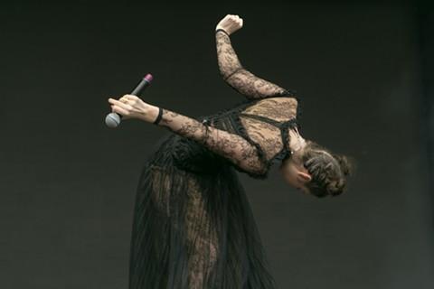 Lorde - PHOTO BY AMIR CLARK