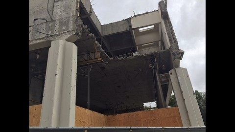 Workers found asbestos in the old Chase bank building while tearing it down. - LISA FERNANDEZ/COURTESY OF KTVU