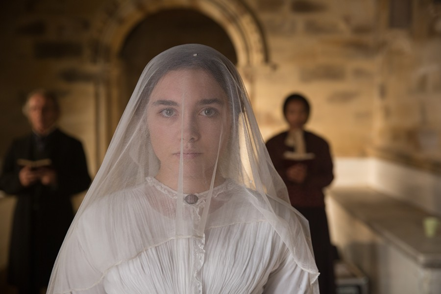 lady_macbeth_-_pugh_in_wedding_dress.jpg